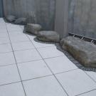 bianco-terrazzo-paving-hone
